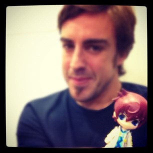 [OffTopic] Fernando Alonso usa como talismán una figura de Tales of Graces