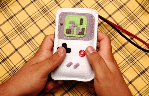 teris-game-boy-iphone-case_1