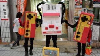 Un padre en Japón crea este genial disfraz de la clásica Famicom para él y sus dos hijos