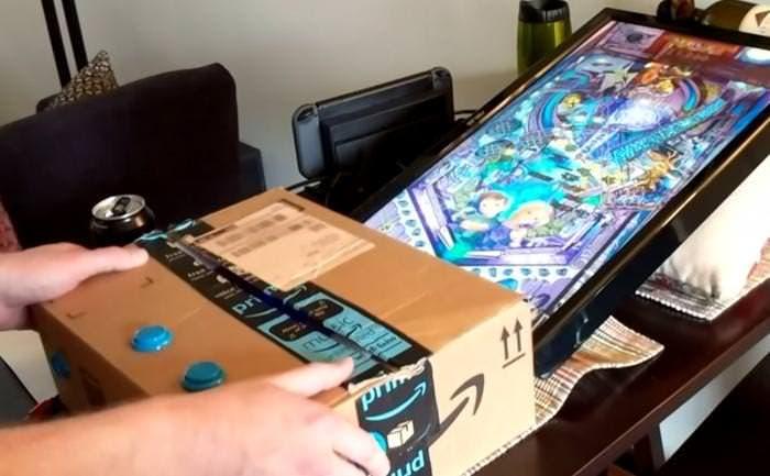 Crean una recreativa de pinball totalmente funcional usando una TV, una caja de cartón y una Switch