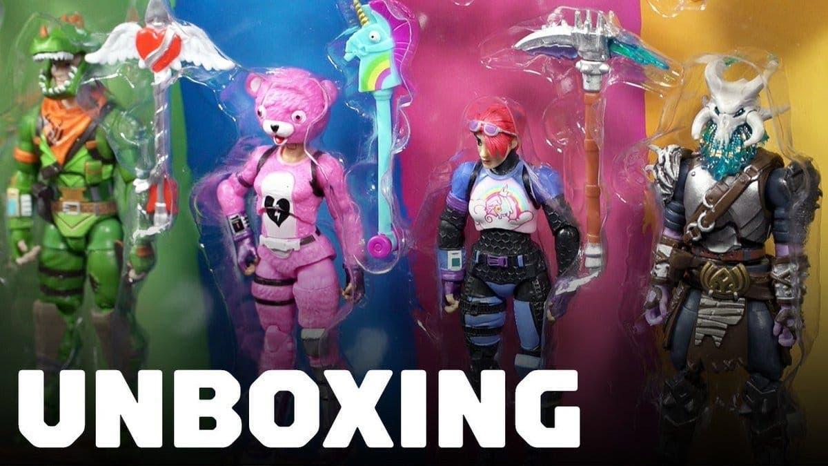 Echadle un vistazo al unboxing de estos juguetes de Fortnite