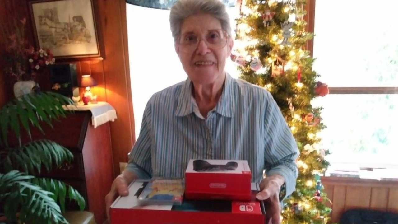 Usuarios de internet regalan una Nintendo Switch a la abuela que ha jugado más de 3.500 horas a Animal Crossing: New Leaf