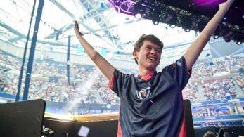 El campeón del mundo de Fortnite es sorprendido en su casa por la policía mientras hacía un streaming