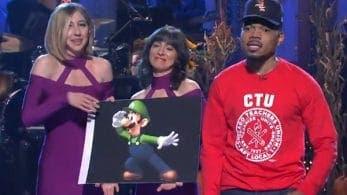 El artista Chance the Rapper hace un guiño a Luigi en el programa Saturday Night Live